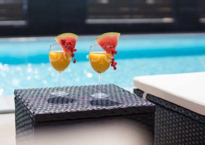 stella resort bar przy basenie